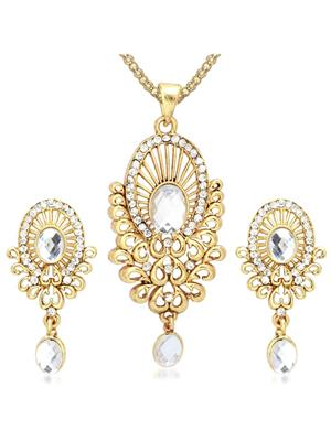 kriaa 2202106 Gold Women Jewellery Set