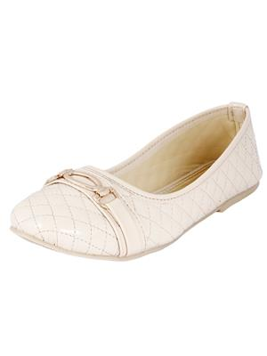 Walk Footwear Ae-F-262-1 Cream Women Bellies