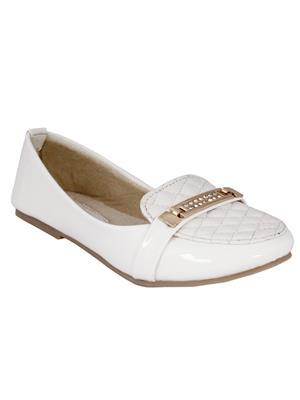 Walk Footwear Ae-L-121-2 White Women Bellies