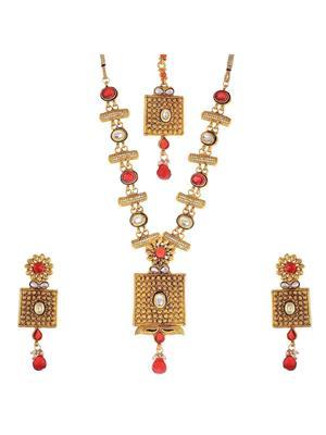 Awww Dm-Ns-225 Golden Women Necklace Set