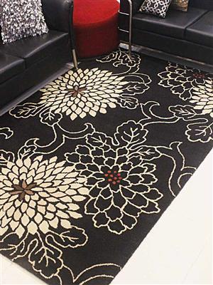 Royzez Handmade Woollen Rug Black K00664