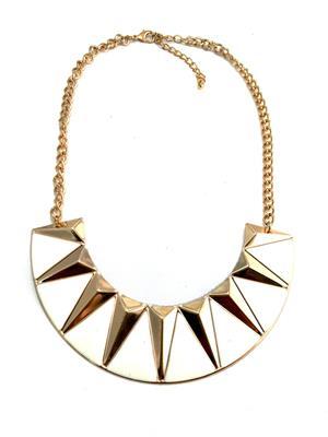 Fashion Pitaraa FPFS398440 White Women Necklace Set