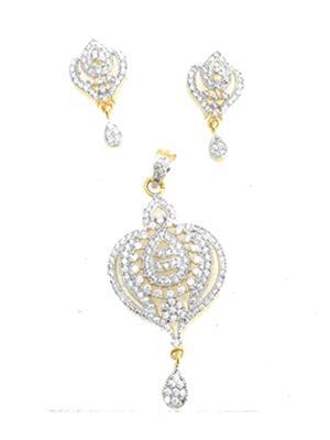 Fashion Pitaraa  FPNSAD1700 Golden Women Necklace Set