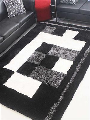 Royzez Handmade Polyester Shaggy Rug Black Beige K00033