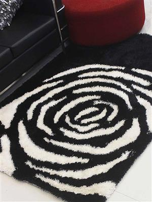 Royzez Handmade Polyester Shaggy Rug Black White K00006