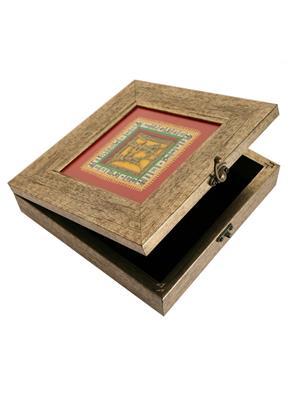 Indikala Ik-01-138 Multicolored Square Warli Dhokra Box
