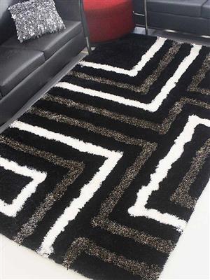 Royzez Handmade Polyester Shaggy Rug Black Beige K00013