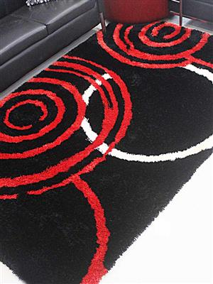 Royzez Handmade Polyester Shaggy Rug Black Red K00017