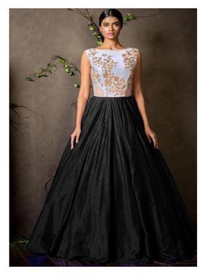 Shreeji Fashion Sfg08 Black-White Women Gown