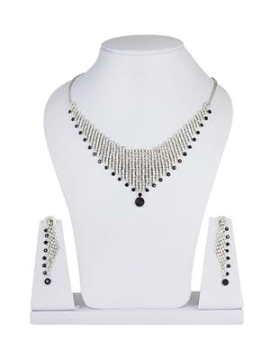 Traditional 2 Trendy T2T148175 White Women Alloy Metal Handwork Necklace Set