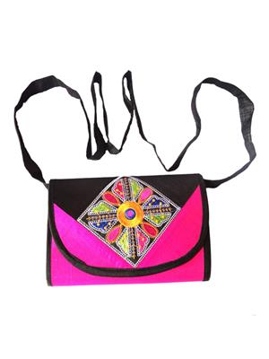 V Brown Vbkhbshb7002 Black-Pink Potli Bag
