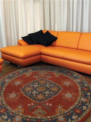 Royzez Handmade Woollen Round Rug Red Blue K00636