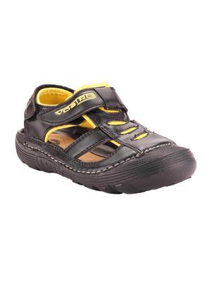 Vostro VSD0011 Black And Yellow Women Sandal