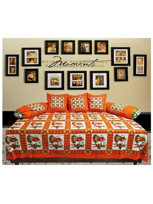 Mable ddiwanset06 Multicolored Deevan Set With 3 Cusion And 2 Comforter Covers