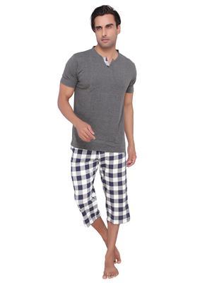 Valentine MN-1465-SHS-CP Men Grey color V-Neck Top & Capri Set